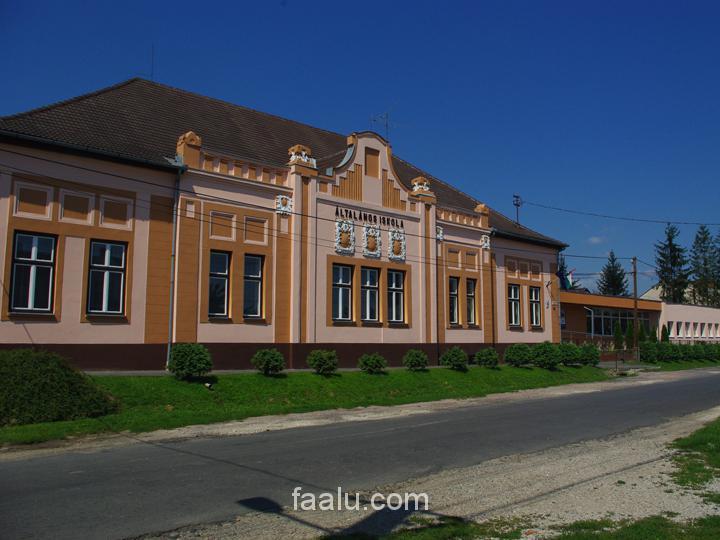 HU - Kisbajom (általános iskola)